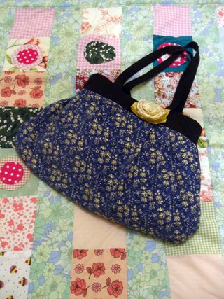 Patchwork quilt and bag