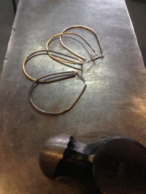 image from http://kswjewellery.typepad.com/.a/6a00e5505b51b58833017d422d2de7970c-pi