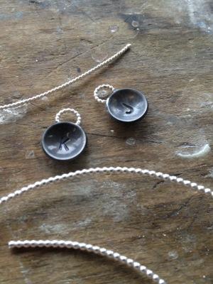 image from http://kswjewellery.typepad.com/.a/6a00e5505b51b58833017c371c053d970b-pi